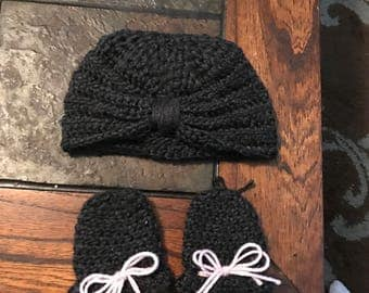 Crochet hat and mittens