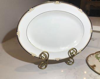 """Wedgwood Cavendish 15"""" Oval Serving Platter R4680"""