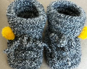 Baby booties, baby knit bootied, baby gift, newborn gift, baby girl knit booties, baby boy booties