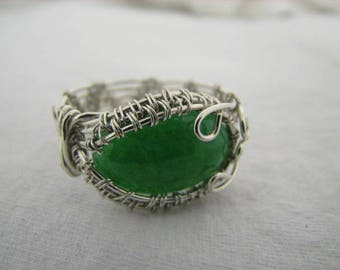 Silver wire ring with green agate