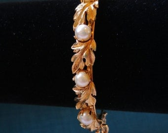 Lisner Pearl and Gold Tone Hinged Bracelet - Real Pearls - Wedding Jewelry - 1950's Jewelry - Something Old - Mid-Century- June Birthday