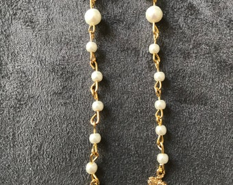 Earrings with vintage pearls for wedding