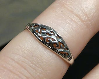 Vintage Victorian Scrollwork Vines Ring Band Sterling Silver Art Nuevo Size 5 petite