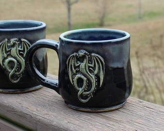 Dragon mug - black/off white