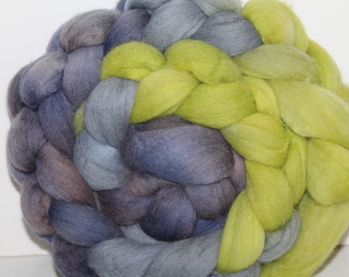 Handpainted  Merino Wool Top. Super fine. 19 micron  Soft and easy to spin. 4oz  Braid. Spin. Felt. Roving.M294