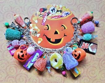 Halloween Candy Charm Bracelet, Candy Jewelry, Halloween Jewelry, Gumdrop, Lollipop, Chocolate, Hard Candy, Kawaii Sweets, Chunky Bracelet
