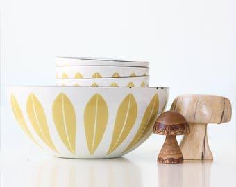 Vintage Cathrineholm Bowl, Avocado Green Lotus Bowls, Set of 4