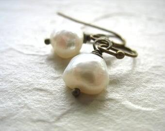 Pearl Earrings, Freshwater Pearl Earrings, White Pearl Dangle Drop Earrings, Pearl Jewelry, White Pearl Jewelry, Gemstone Jewelry