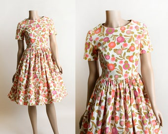 Vintage 1950s Dress - California Poppy Print Floral Cotton Day Dress - Orange & Pink Flower Garden - Full Skirt - Small