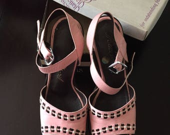 Vintage Pink 1970s Leather Sandal with Heel and Original Box Size 6