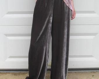 gray velvet pants . High Waisted velvet Pants . Wide Leg velvet Pants . gray velvet . size 8 . banana republic
