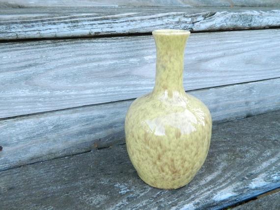 "Vintage Gonder Ceramic Arts Pottery 7"" Vase in Yellow Gold Luster Glaze"