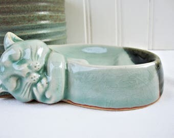 vintage cat sleeping soap dish celadon green kitty
