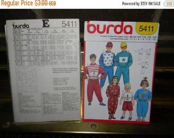Christmas in July Burda Sweatshirt, Pants, Shorts and Shirt Pattern N 5411 Sizes 2 thru 10, Euro sizes 86 thru 140 Uncut/Unisex