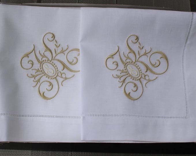 Monogrammed Linen  Dinner Napkins or Table Runner, FAMILY TREE monogram, Wedding Napkins, Head Table Decor, Bridal Luncheon, Cake Table