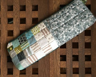Long quilted toiletries pouch