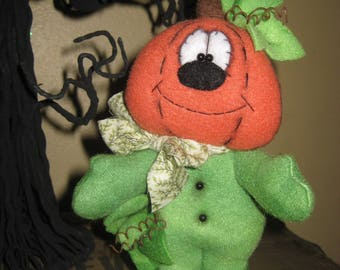Primitive Handcrafted Standing Pumpkin Guy Doll Shelf Sitter Ornie Tuck Ornament