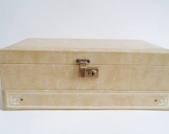 Vintage Tan  Jewelry Box with Key