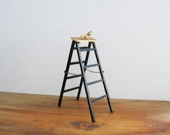 vintage 1970s Kitty Cat on Ladder Earring Tree Holder // Retro Jewelry Storage