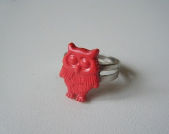 ♥ ♥ Red OWL ring