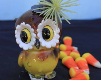 Vintage Style Halloween - Ceramic Owl Figure with Witch Hat. Yellow Plastic Burst