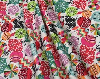 Blend Fabrics Cool Yule Baubles White 0,5m 002908