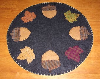 Penny Rug Candle Mat 12 inch Fall Leaves and Large Acorns