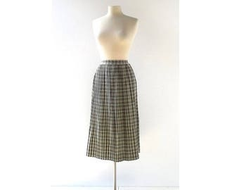20% off sale Vintage 1940s Skirt | Plaid Pleated Skirt | Gray Skirt | 27W Small