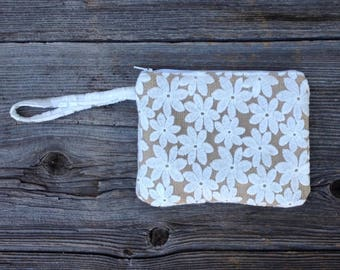 Bride Purse, Bridal Clutch, Bridesmaid Clutch, Bridesmaid Gift, Wristlet, Clutch Purse, Burlap Clutch, Bridal Shower Gift, Bridal Party Gift