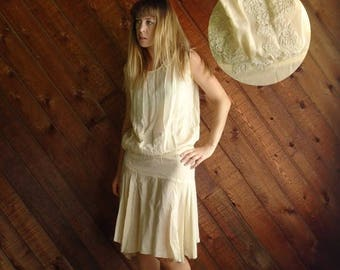 20% off SUMMER SALE. . . Frosted Cream Vintage 20s 30s Creamy Ivory Silk Crepe Flapper Dress XS S