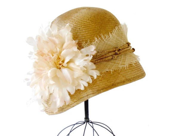 Straw Cloche Hat Women's Hat Flapper Hat 1920 Cloche Hat Mother's Day Great Gatsby Hat Rustic Style Handmade Silk Flower Teaparty Straw Hat