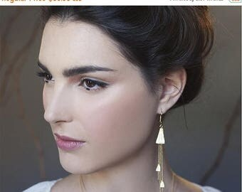 On Sale 40% off, Hiromi Earrings in gold, Japanese inspired botanical pendant  jewelry