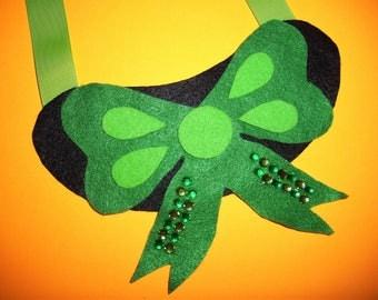 Fabulous Felt Green Bow Necklace