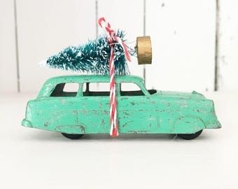 Christmas In July SALE Free Shipping - Vintage Green Tootsietoy Car with Bottle Brush Tree, Christmas Tree Car