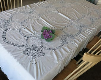 Crocheted & Embroidered Tablecloth Rectangle Vintage 1980s 90s White Wedding Linen