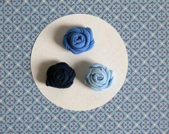 Flower lapel pin - Men lapel flower - Blue buttonhole - Blue boutonniere - Pale blue lapel pin - Made in Italy - Ring bearer boutonniere