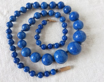 Stunning Vintage Lapis Lazuli Bead Necklace, 18 carat Gold Clasp, Stunning Paris Chic Jewelry, Vintage Accessory, Graduated Blue Beads