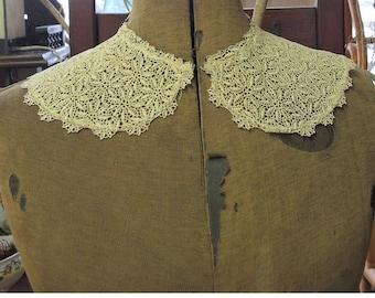 Vintage Lace Collar, Detachable Lace Collar, Satin Stitch Daisy Pattern