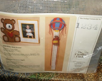 Craft Kit - Balloon Grow Chart - Plastic Canvas- Creative circle -   Unused 1986 -