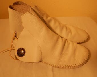 Vintage indian mocassins, american southwest, american indian shoes. minnetonka