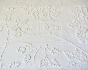 Cabin Crafts White Cottage Roses and Vines Over Tufted Vintage Cotton Chenille Bedspread Fabric 16.5 X 23 Inches