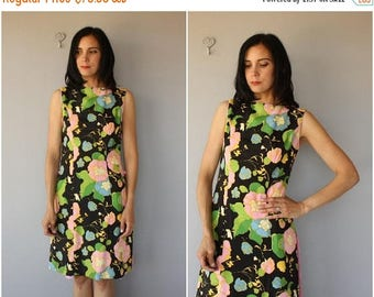 48 HR FLASH SALE Vintage 1960s Dress | 60s Dress | 1960s Dark Floral Dress | 60s Spring Dress | 60s Floral Dress (small/medium)