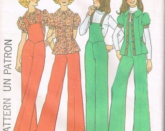 70s Cute Feminine Overalls and Top Pattern Simplicity 7187 Bust 30 1/2 Blouse with Short Puff Sleeves Vintage Uncut 1975 Sewing Pattern