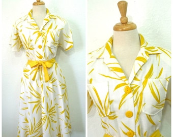 Vintage 50s Dress / 1950s cotton dress Shirtwaist White with Yellow Floral Print Button front Summer Dress  Medium