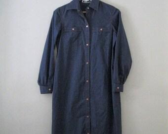 Spring SALE Vintage 80s shirt dress / denim blue chambray shirt dress / Copper button chambray dress