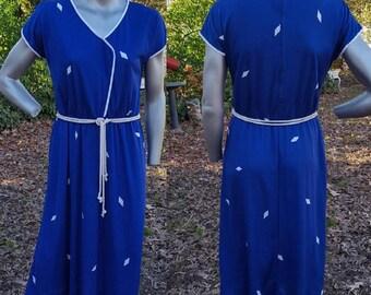 70s Dress, Print Dress, Surplice Dress, Vintage Dress, Blue and White Dress, 70s Costume, Swim Cover, Spring Dress, Summer Dress, Vintage