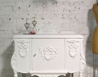 Painted Cottage Chic Shabby French Server/ Buffet / Sideboard SV633