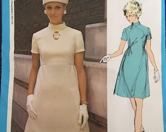 Vogue Americana 2318 1960s Teal Traina Factory Folded  bust 36