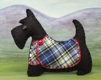 Scottie dog Christmas ornament, Felt dog ornament, Black Scottie dog decoration, Dog Christmas Ornament, Scottish terrier, tartan, Angus.