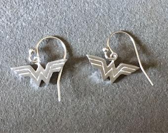 Wonder Woman Earrings, Sterling Silver Wonder Woman Dangly Earrings, Superhero Earrings, Comic Book Jewelry, Superhero Jewelry, Comic Con